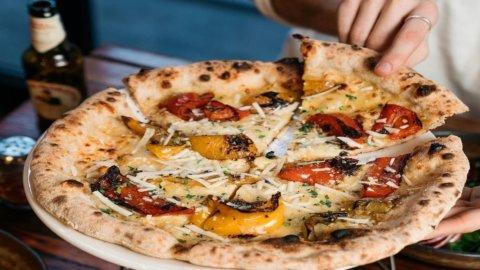 Pizza in concorso: i pizzaioli giudicano chi la fa meglio nel forno di casa