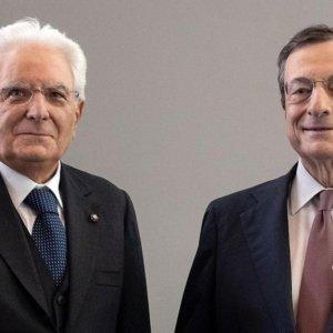 """Mattarella convoca Draghi per un governo di """"alto profilo"""""""