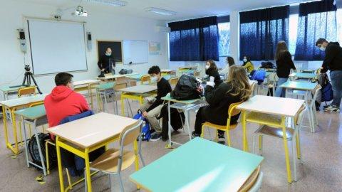 La scuola riparte fra test salivari e green pass