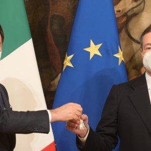 """Draghi: """"Cinque emergenze ma niente casacche"""""""