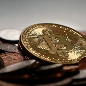 Crypto-rapina da record: 612 milioni sottratti a Poly Network