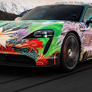 In asta la Porsche Taycan 4S d'autore per sostenere gli artisti