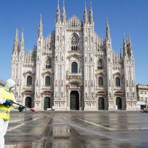 Covid e fuga dalle città: addio Milano, boom del giardinaggio