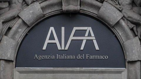 Astrazeneca pesa sulle Borse ma Terna, Stellantis e Leonardo salvano Milano