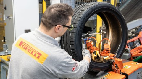 """Pirelli, primo pneumatico al mondo """"forest free"""""""