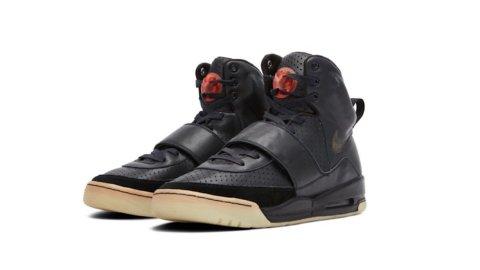 Asta Sotheby's: un modello di Nike Air Yeezy  indossato ai Grammy nel 2008
