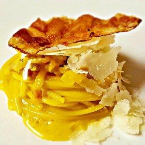Carbonara Day: la ricetta stellata dello chef Andrea Larossa