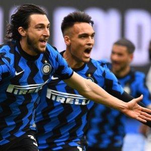La Juve risponde al Milan, l'Inter vede il titolo