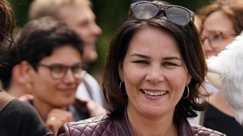 Germania: i Verdi di Baerbock volano, ma l'incognita è il Covid