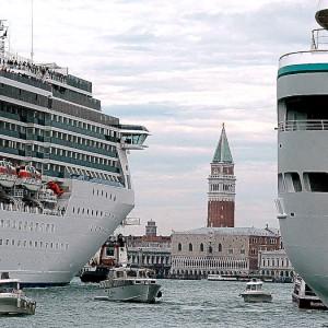 Covid, Italia blindata per tutto aprile: stop alle grandi navi a Venezia, svolta per i concorsi