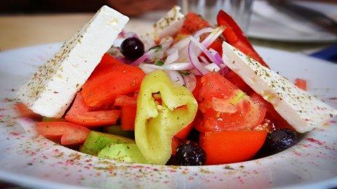 Curare la salute a tavola: incontri on line per tutti sull'alimentazione