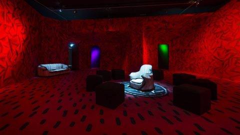 Triennale Milano e Fondation Cartier, opere dell'artista Guillermo Kuitca in mostra a Milano