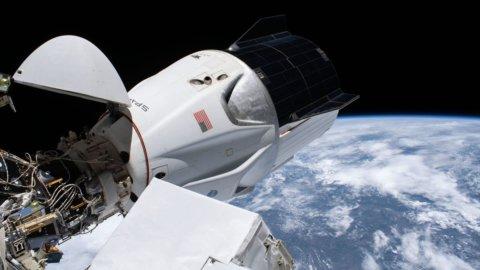 Space X, la navicella di Elon Musk torna sulla Terra
