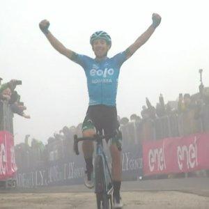 Giro d'Italia, Lorenzo Fortunato trionfa sullo Zoncolan