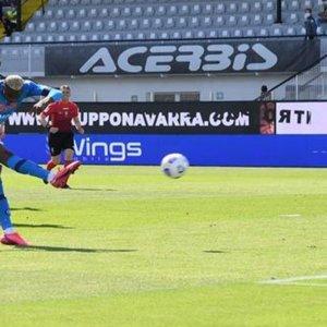 Inter, festa con goleada. Napoli secondo, Lazio ko a Firenze