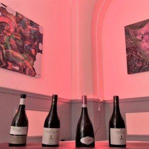 """B Art Gallery: a Roma il """"caffè letterario"""" dove il vino sposa l'arte"""
