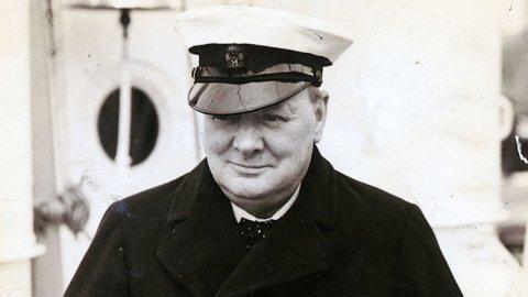 """Winston Churchill: """"The Moat"""" il dipinto di proprietà della famiglia Onassis in asta da Phillips"""
