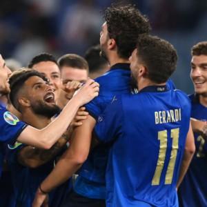 Europei, l'Italia vince e incanta: 3-0 anche alla Svizzera