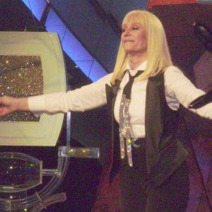 Addio a Raffaella Carrà, icona della Tv popolare