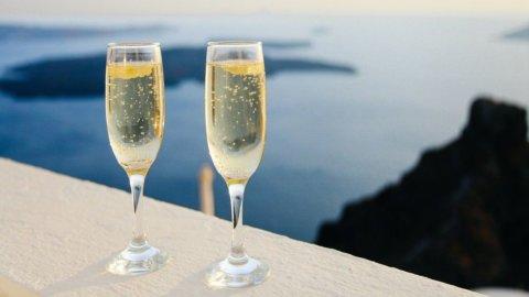Venti vini da tutto il mondo da bere quest'estate: Il Guardian sceglie un Moscato Italiano
