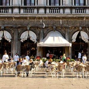 """Estate 2021, Venezia vista dal mitico Caffè Florian: """"Stiamo rinascendo"""""""