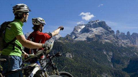 """Estate sulle Dolomiti, """"i turisti ci sono ma spendono meno"""""""