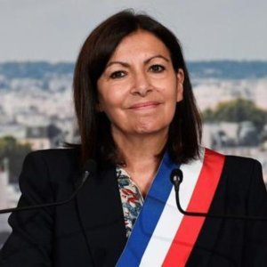 Francia, la sindaca Hidalgo si candida alle presidenziali