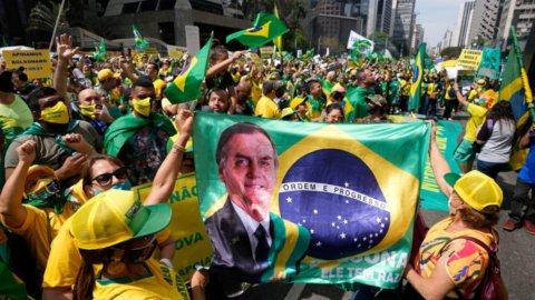 Brasile, aria di golpe: Bolsonaro minaccia la Corte Suprema
