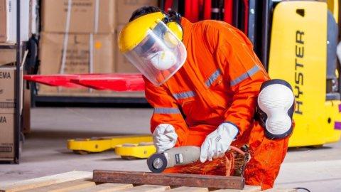 Aziende: è boom di richieste online per l'abbigliamento da lavoro