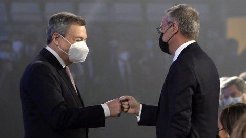 """Draghi: """"No aumenti tasse, 3 miliardi sulle bollette. Pil al 6%"""""""