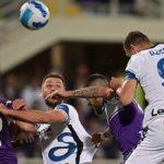 L'Inter espugna Firenze, il Milan può riacciuffarla col Venezia