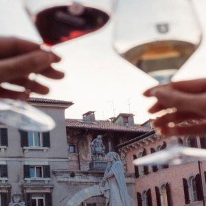 Hostaria Verona: un festival dove il vino diventa spettacolo