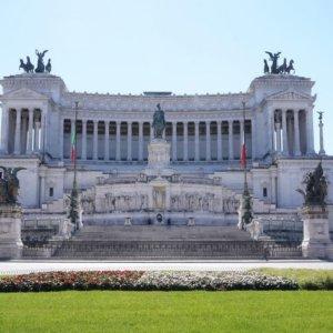Elezioni, Roma contendibile: ballottaggio tra Michetti e Gualtieri
