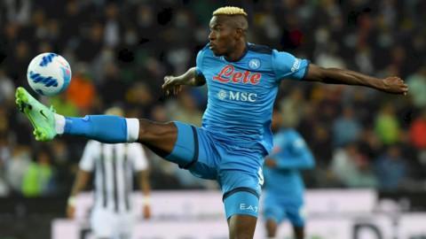 Il Napoli fa poker e va in testa, Inter alla prova della Fiorentina