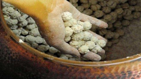 Le Giuraie, i confetti della nonna per i matrimoni del Canavese