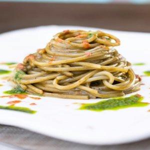 La ricetta di Salvatore Bottaro: spaghetti agli anemoni di mare e ricci, un'elegia Pantesca