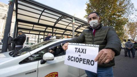 Taxi: sciopero nazionale venerdì 22 ottobre, disagi a Roma