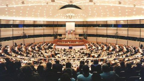 Energia: procedura Ue contro l'Italia