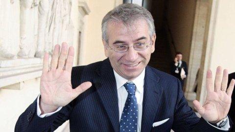 Unicredit, il dg Roberto Nicastro in uscita dalla banca