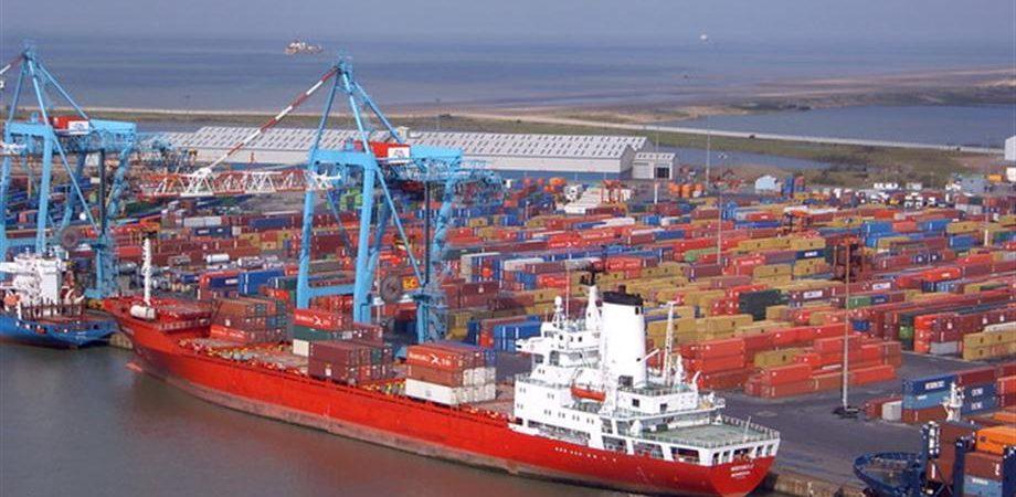 Commercio: Usa, Cina e Fed frenano la crescita globale al 3%