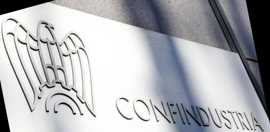 Confindustria, Marcegaglia a sorpresa espelle Fiat e boccia Berlusconi