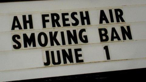 Fumare sta diventando sempre più difficile e meno piacevole. Dalle Filippine all'Australia