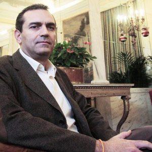 Elezioni a Napoli: Pd e centrodestra sfidano de Magistris