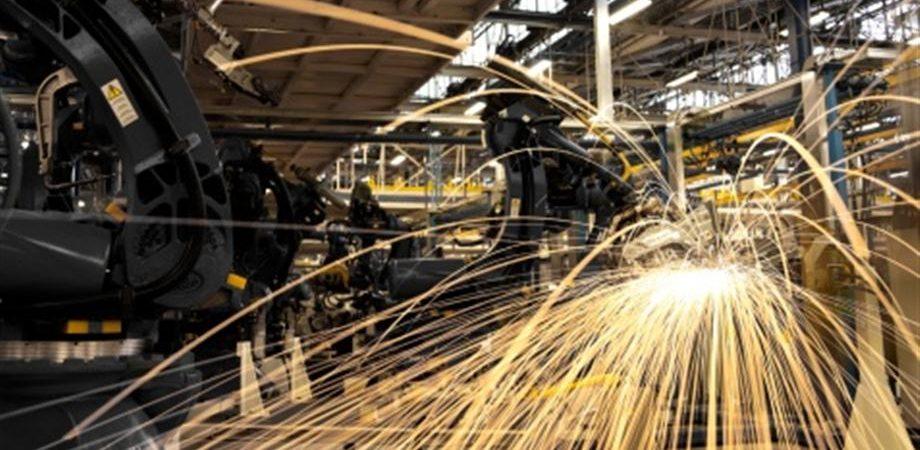 Lavoro, a luglio aumentano le imprese che assumono