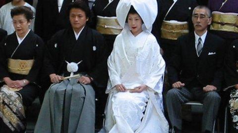 Il dopo-Fukushima ha creato insicurezza diffusa e ridato slancio all'industria dei matrimoni