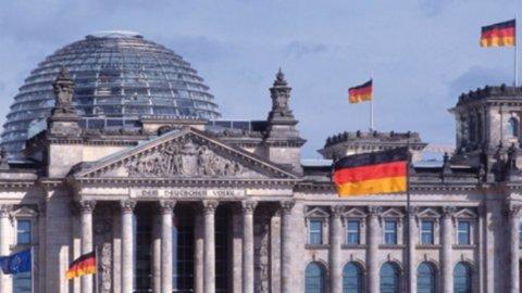 Sulla crisi del debito greco Berlino si smarca dalla Bce