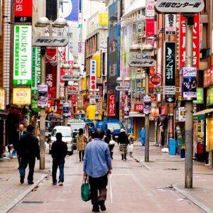 Giappone vuole allargare il ruolo delle forze armate e cambiare la Costituzione