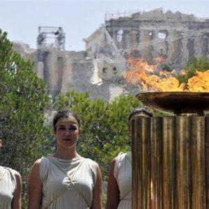 Le buone notizie in arrivo da Pechino e il collocamento dei bond ellenici aiutano la Borsa