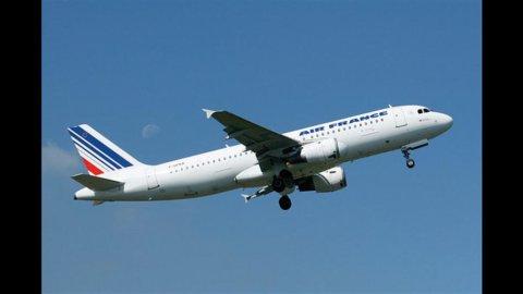 Pressing politico su AirFrance: compri da Airbus