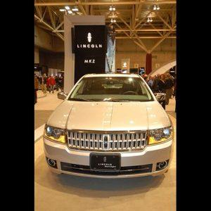 Ford rilancia Lincoln, mitico marchio Usa delle auto di lusso